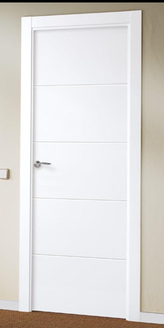 Puerta de interior lacada en blanco Modelo Laca 8500